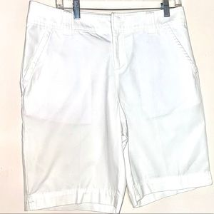 Lilly pulitizer 10 resort white Bermuda shorts new